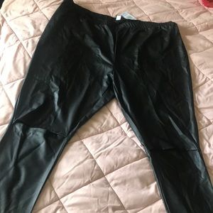 Patent leather leggings 🖤MAKE AN OFFER🖤